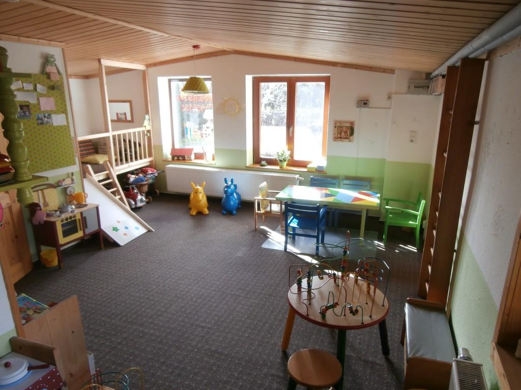 Überblick Kinderstube - heller Raum